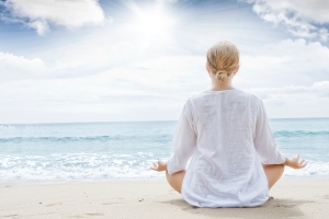 Lady_Meditation_beach