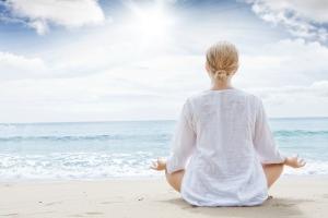 Lady_Meditation_beach