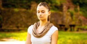 meditating_girl_bench